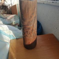 Vaza  mare   , de lemn , stil neobrancovenesc