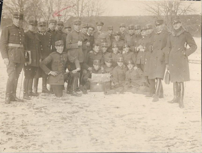 Fotografie ofiteri romani sabii Scoala speciala infanterie Sibiu 1929 poza veche