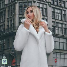 Palton din piele ecologică cu fir ecologic