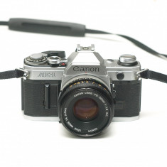 Canon AE-1 cu obiectiv 50mm 1.8
