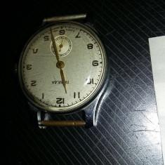 Ceas vechi de mana sovietic marca POBEDA,ceas rusesc LIMBI/CIFRE AURITE,T.GRATUI