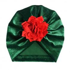 Turban verde din catifea cu floare