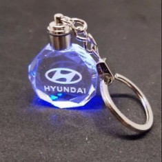 Breloc din cristal cu leduri Hyundai