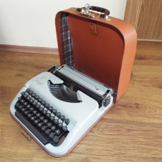 Masina de scris mecanica  Princess 100