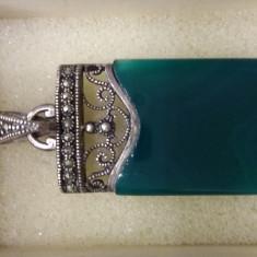Pandativ argint cu agat verde si marcasite