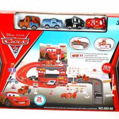 Set parcare cu masinute pentru baieti CARS 2 - Circuit cu masinute pentru copii!