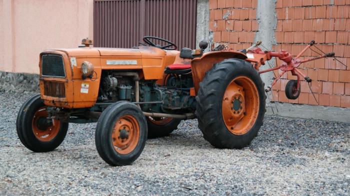 Tractor Fiat 41 cp cu grebla fan