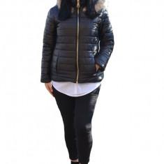 Jacheta rafinata de toamna-iarna ,guler fronsat si gluga detasabila,nuanta de negru