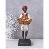 Statueta de african cu un platou CW179