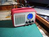 Cumpara ieftin Radio retro /culoare roz/ceas/alarma