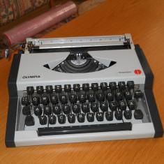 Masina de scris OLYMPIA traveller