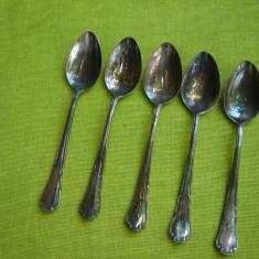 Frumoase 5 lingurite argintate