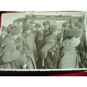 Set 4 Fotografii - Militari specialisti in telecomunicatii 1975 la Ciucei