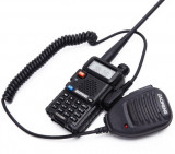 Cumpara ieftin Statie Radio Walkie Talkie Baofeng UV-5R cu MICROFON exterior, Transceiver Inclus Casti cu microfon