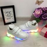 Cumpara ieftin Adidasi albi cu lumini LED si urechi cu scai pt fetite 22 24 26 28 29 30, Fete