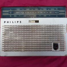 radio portabil Philips mic de colectie