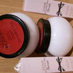 Crema + mini parfum de poseta, Oriflame