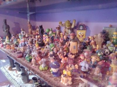 Peste 100/jucari /miniaturi/ foto