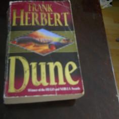 DUNE - FRANK HERBERT in limba engleza