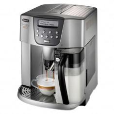 Espressor automat DeLonghi ESAM4500, 1350 W, 15 bar, 1.8 l, 2 duze, rasnita 13 trepte integrata, Argintiu/Negru