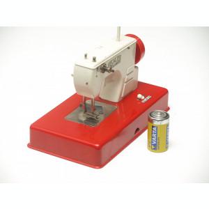 Masina de cusut de jucarie - cu motor electric!