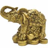 Elefant cu trompa in sus, obiect feng shui cu pepita si monede norocoase pentru dragoste si depasire obstacole financiare, auriu
