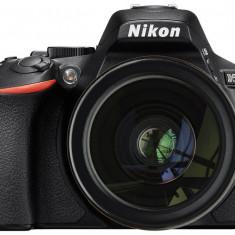Nikon D5600 cu Obiectiv 18-105mm VR