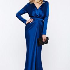 Rochie Ana Radu albastra-inchis de lux tip sirena din material satinat cu decolteu adanc accesorizata cu cordon