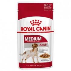 Hrana umeda pentru caini cu pui, Royal Medium Adult, 140 g