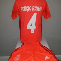Echipament  fotbal pentru copii Real Madrid Sergio Ramos, Alta, Tricou + Pantalon