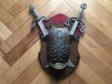 Panoplie veche belgiana cu scut si doua sabii incrucisate