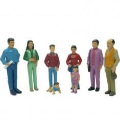 Figurine familie sudamericana Miniland, 8 piese