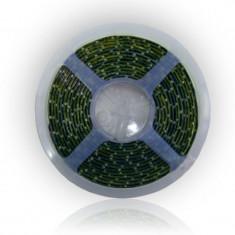 Banda LED 60 diode 3528 smd, 5 m, 1.9 A, 12 V, culoare alb cald, waterproof