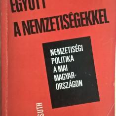 Egyutt a nemzetisegekkel - 1008 (carte pe limba maghiara)