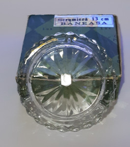 Scrumiera cristal Baneasa in cutia originala ( produsa in Gherla - noua )