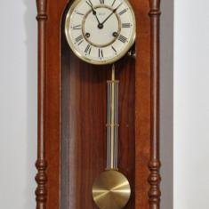 Ceas de perete cu pendul Hermle
