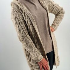 Cardigan din tricot cu gluga 2