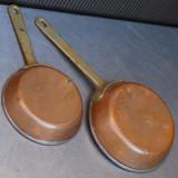 SET 2 TIGAI / CRATITE VECHI DE BUCATARIE - FACUTE DIN CUPRU CU MANER DE BRONZ