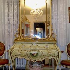 comoda cu oglinda baroc venetan,vintage,Italia,prima jumatate a sec xx.