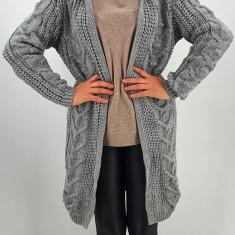Cardigan din tricot cu gluga