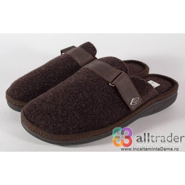 Papuci de casa maro din lana - 191010