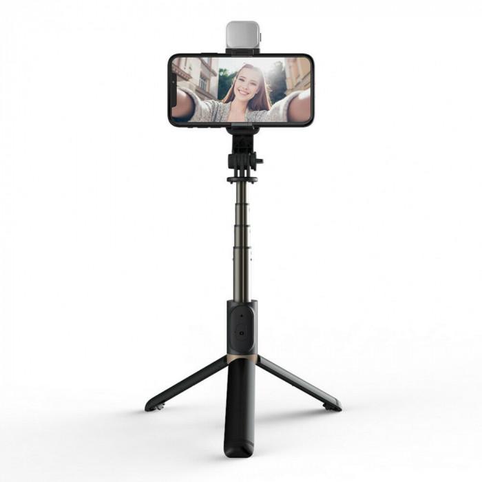 Selfie Stick Trepied din aluminiu cu telecomandă + lumină Led Q03s