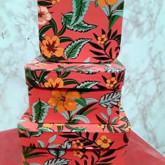 Set 3 cutii aranjamente trandafiri de săpun,pătrate  18/18/h 9,5 cm