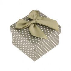 Cutie cadou pentru inel sau cercei, suprafaţă verde, buline, fundă