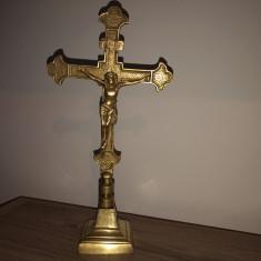 Crucifix,cruce veche din bronz,cu Isus rastignit