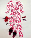 Pijama dama lunga tip salopeta alb cu rosu cu nasturi si imprimeu Cirese