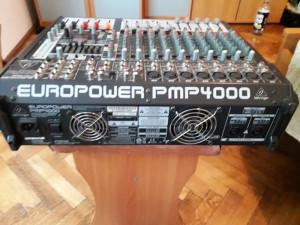 Mixer audio Behringer Europower PMP 4000 -12 canale