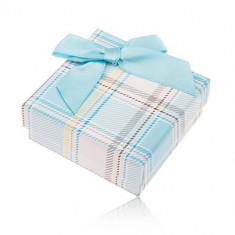 Cutiuță de cadou pentru inel sau cercei, model în carouri, fundiță albastru deschis