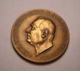Medalie MIHAIL ENESCU Directorul Casei Centrale A Asigurarilor 1933 SUPERBA