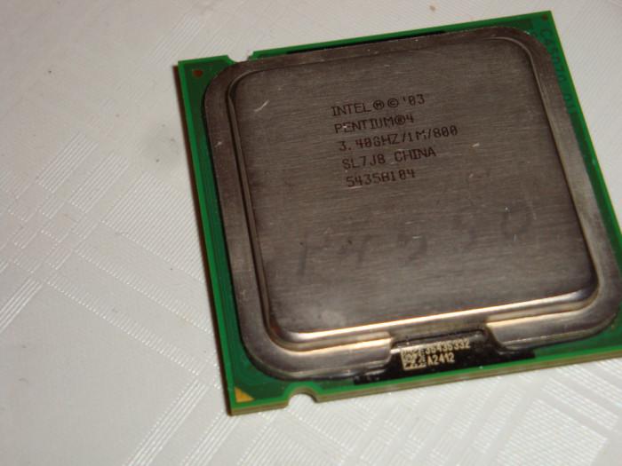 Procesor intel pentium 4 550 3.4Ghz FSB 800 LGA 775 SL7J8  ( de colectie )